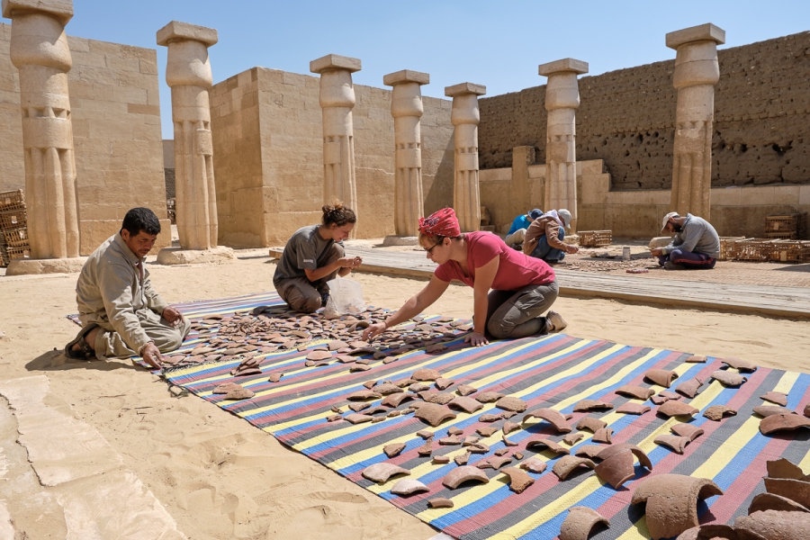 Valentina Gasparini, Alice Salvador and a few workmen in the tomb of Horemheb. Photo: Nicola Dell'Aquila.
